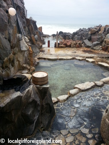 sakinoyu-shirahama-japan-oldest-onsen-124019