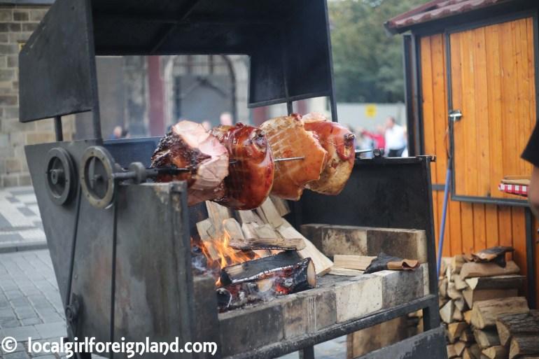 Prague-foodstand-roasted-pork-9595.JPG