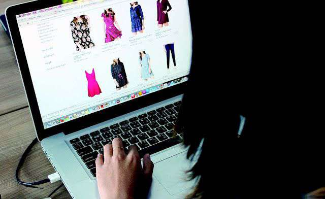 Cash back and discounts on online shopping in companies like Amazon and Flipkart