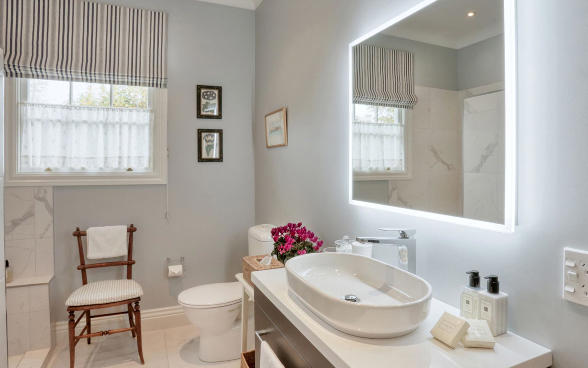 Edenhouse Suite Bathroom