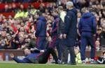 Man Utd boss Louis Van Gaal's fall during match inspires hilarious memes online - 0