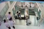 Chinese exercise extreme caution when riding escalators after mishap - 14