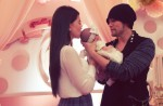 Jay Chou shares photos of his daughter's face... almost - 10