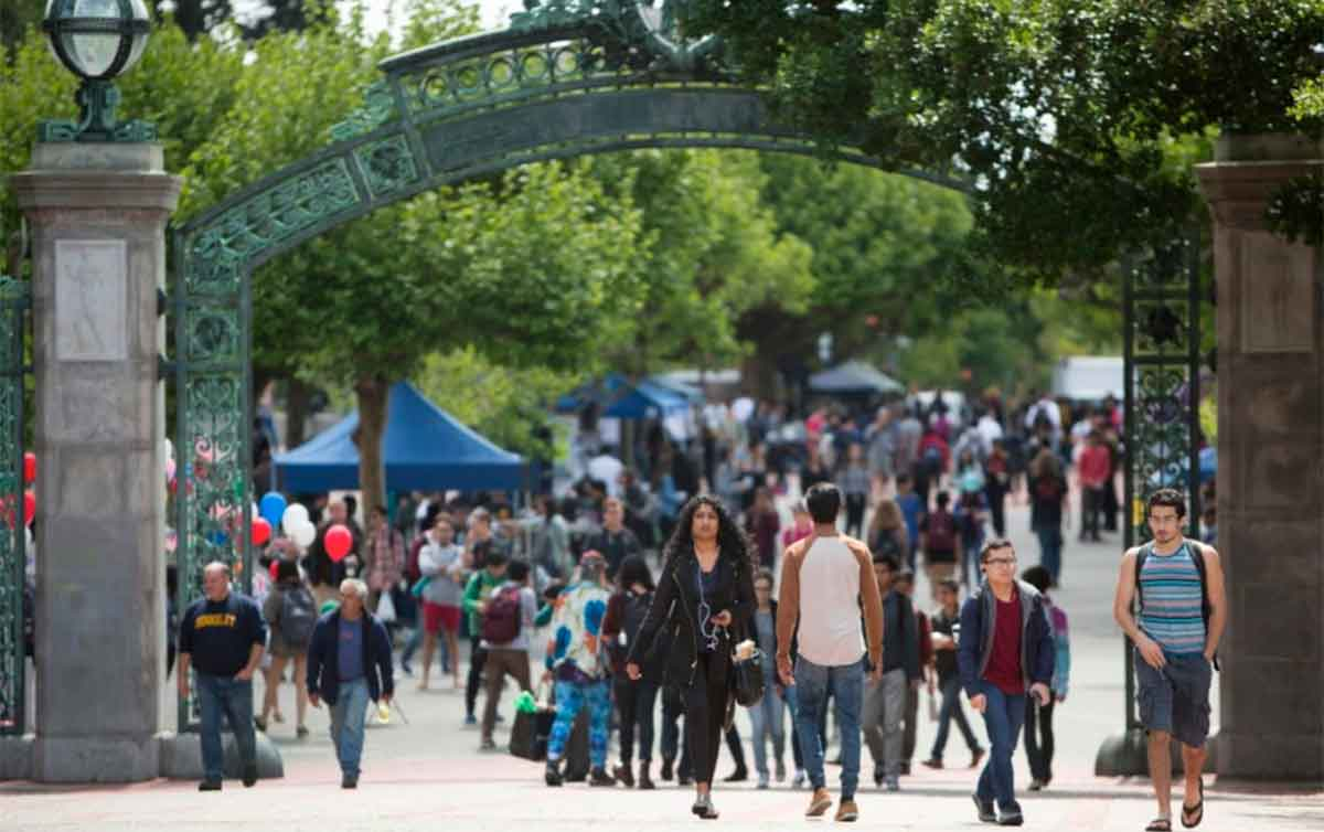Legislators crafting deal to reduce numbers of out-of-state students at UC