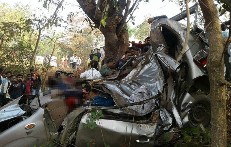 7 youths from Mumbai die in accident near Ratnagiri on Mumbai-Goa highway, one injured