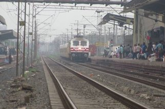 Talgo arriving at Surat Station. Picture: Rajesh Modi