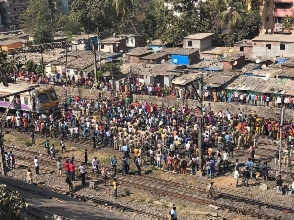 Angry locals stage rail-roko near Dombivali station, bring CR services to a halt