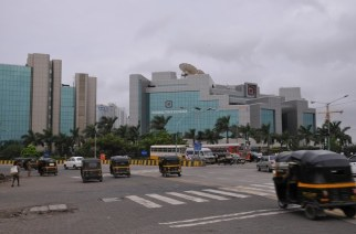 A total of three elevated roads and two flyovers will be built to keep BKC traffic free (Picture Courtesy: Panoramio.com)