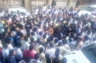 BMC engineers protesting outside CST. Picture Courtesy: Laxman Singh