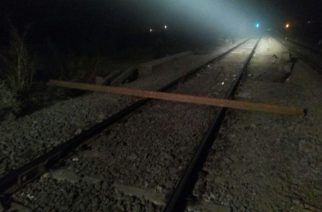The 15 feet piece of rail track that was blocking the main track. Picture Courtesy: Rajendra B. Aklekar