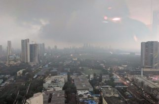 Mumbai was engulfed in a cover of darkness around 4:30 pm (Picture Courtesy: Anuj K)
