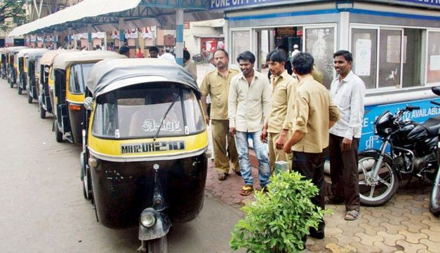 Rickshaw drivers don't need to know Marathi to get auto permits: Bombay HC