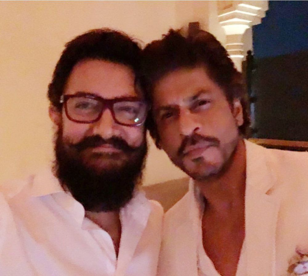 SRK, Aamir Khan pose for a picture together for the first time in over two decades