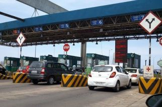 Toll booths at five Mumbai entry points, the Bandra-Worli Sealink and Mumbai-Pune Expressway were also shut between November 9 and November 30 last year (Picture Courtesy: Devashree/Panoramio)