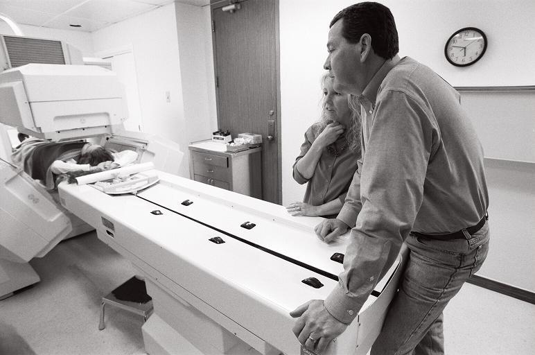 thyroid scan 2006