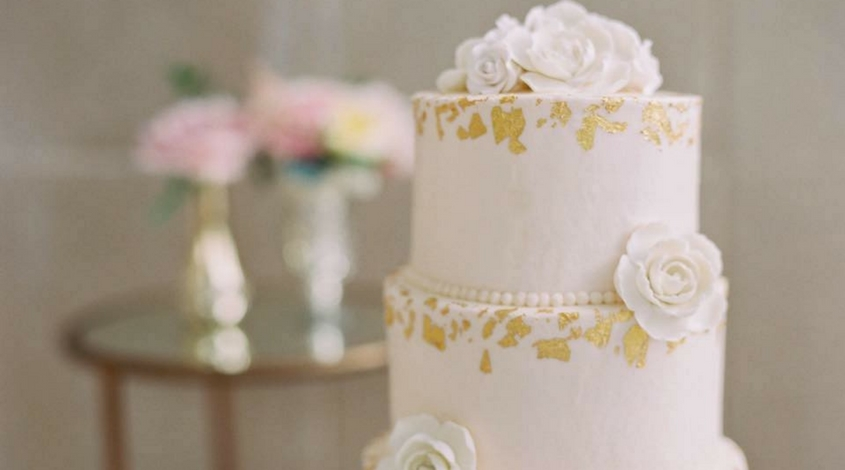celebrity cafe and bakery wedding cake with flowers