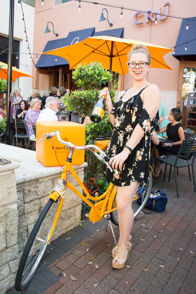 crú food and wine bar at the shops at legacy, vueve clicquot, champagne, plano profile, cover party