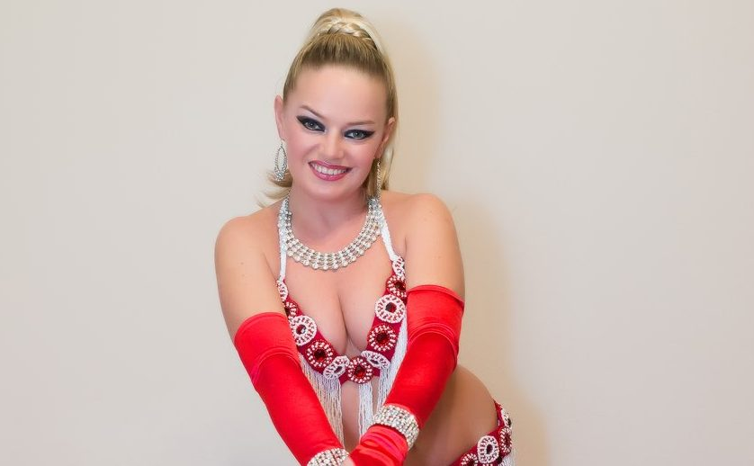 Tatyana, belly dancing