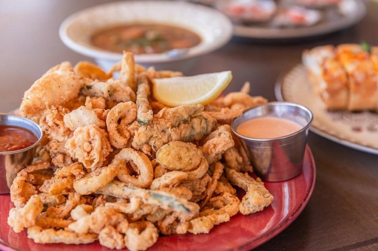 calamari plate, bongo beaux's, cajun cuisine, cajun food, things to do in celina texas, best restaurants in celina texas