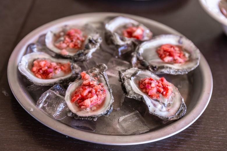 raw oysters hall shelf bongo beaux's oysters celina texas