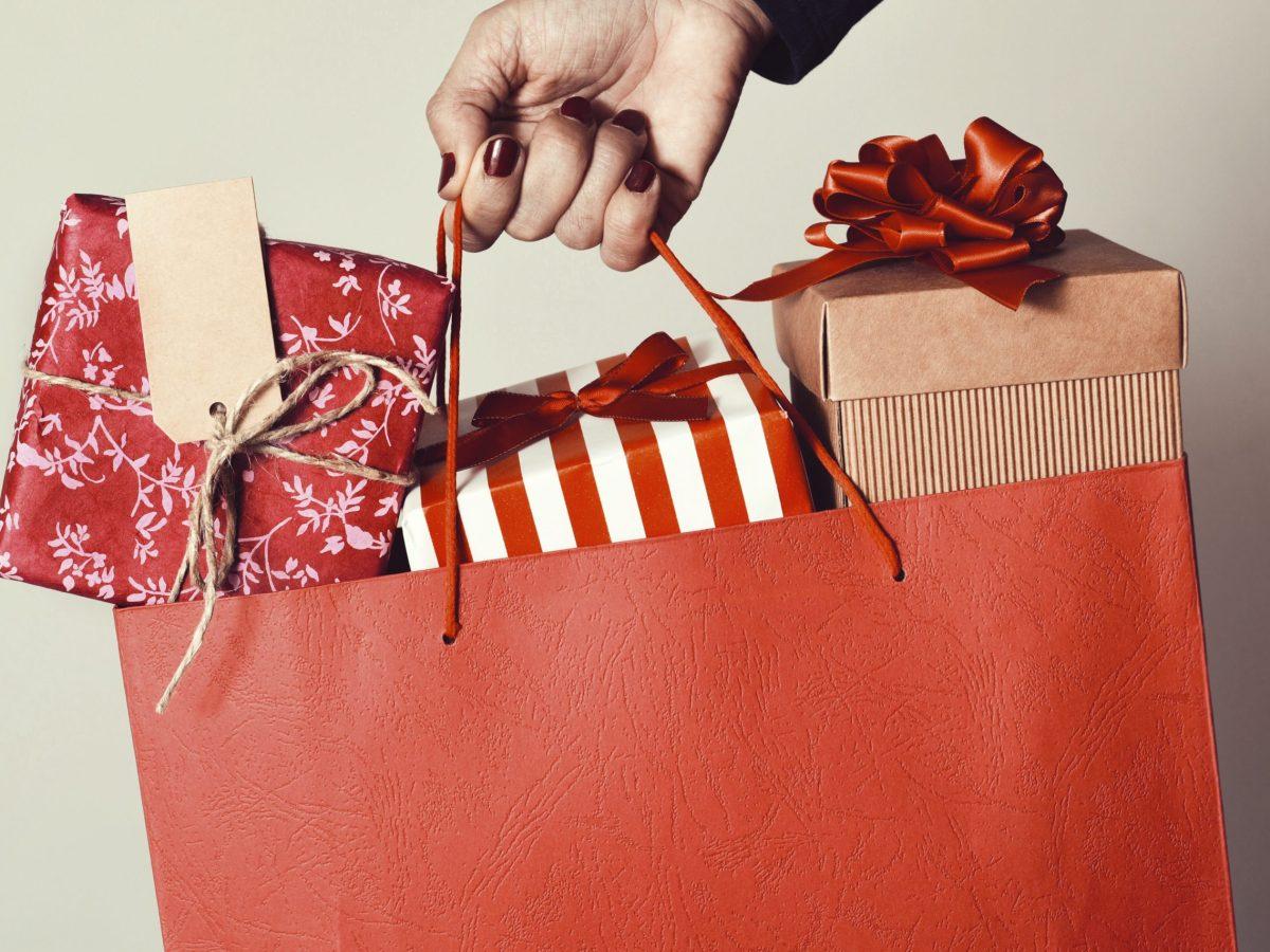 neath the wreath holiday shopping