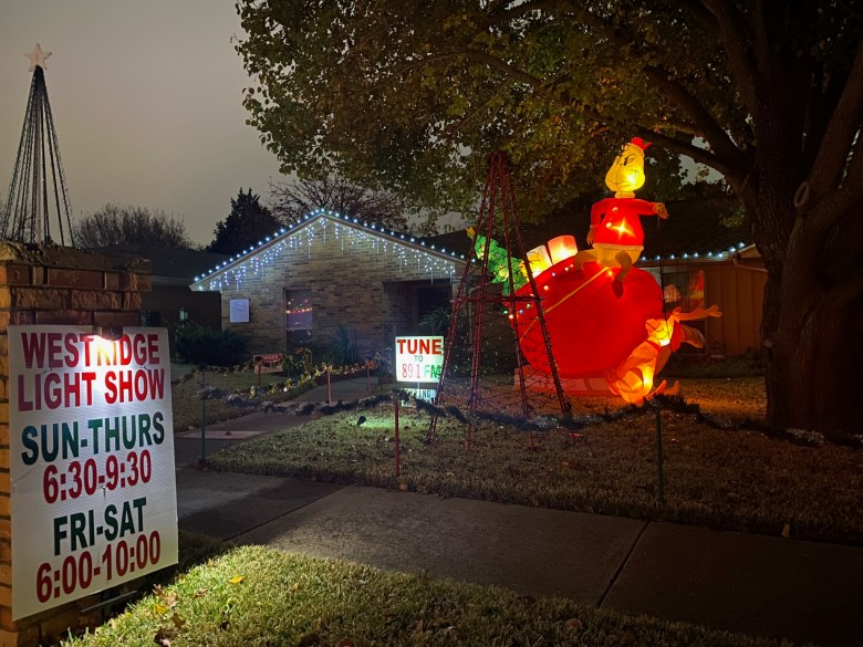Plano neighborhood holiday light displays