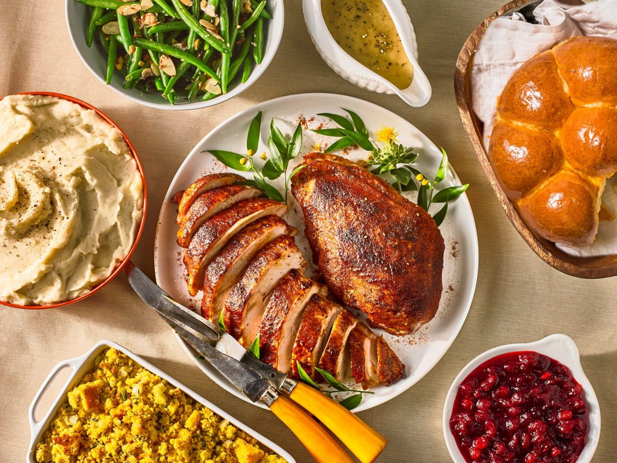 central market holiday meal catering