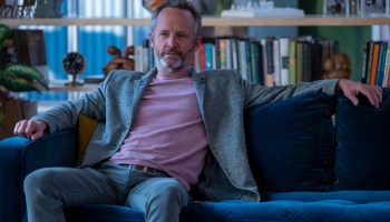 """Aside from starring in """"Gossip Girl,"""" John Benjamin Hickey plays Colin, a disgraced tech entrepreneur accused of financial crimes on HBO's 'In Treatment' 