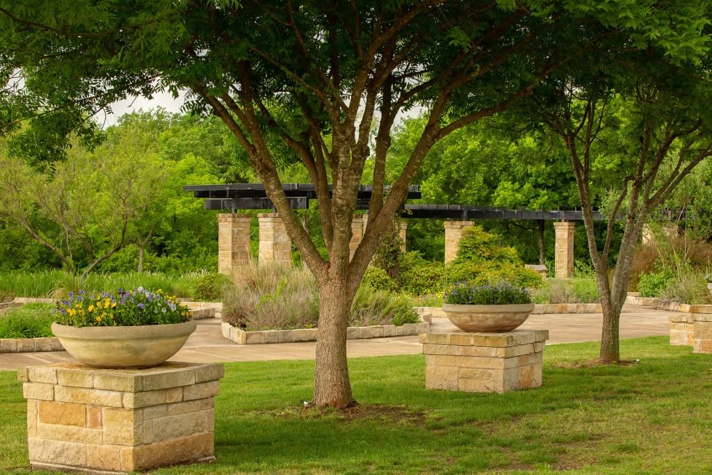 waterford park, allen, best playgrounds, gardens, rocketship playground