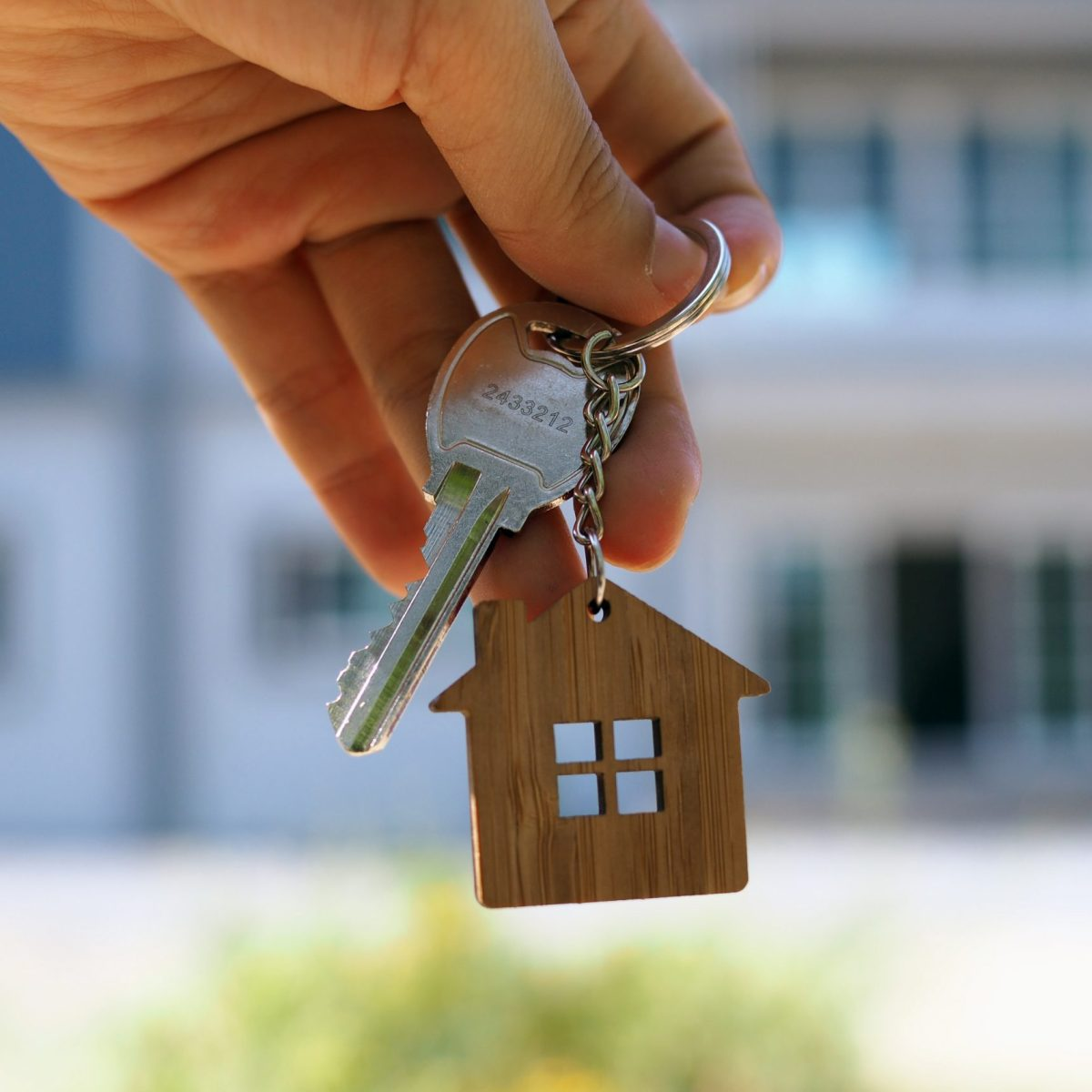 these home buying tips just might save you headaches, heartaches and lots of money!
