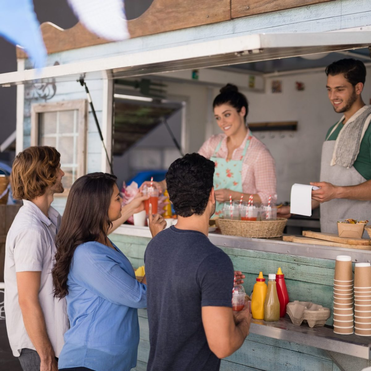 these collin county food trucks parks are the best hangout spots!
