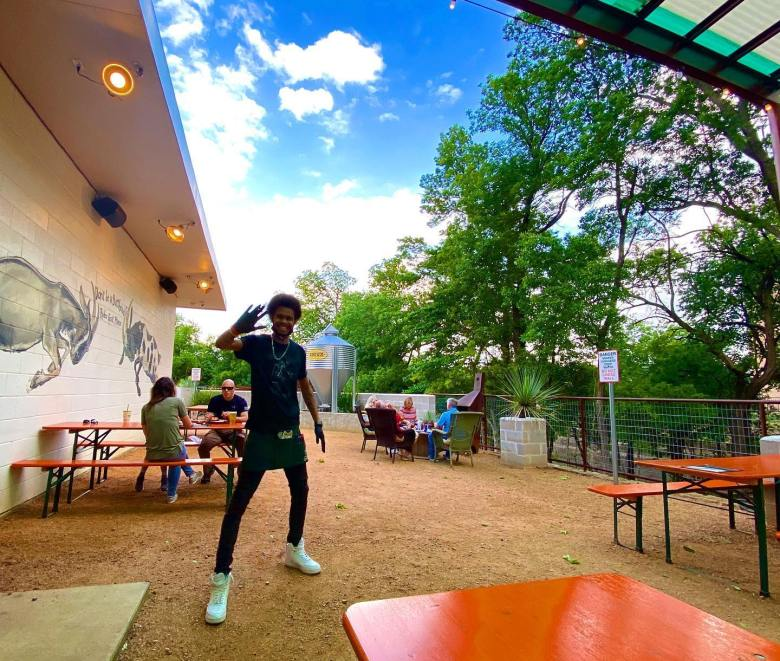 rodeo goat, burgers, best burgers, plano restaurants, best burgers in plano, plano patios, best patios in plano