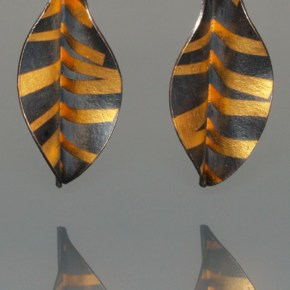 Ina Hohensee - Folded leaf earring, silver 24K gold