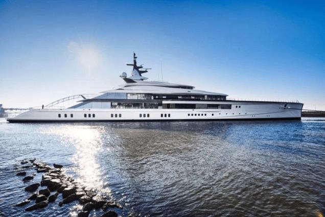 Jerry Jones Sets Sail With 250 Million Dollar Superyacht