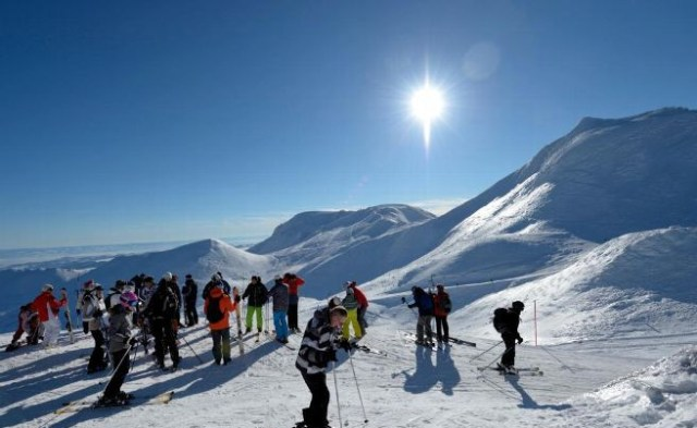 neige-ski-et-soleil-au-mont-dore_3076645