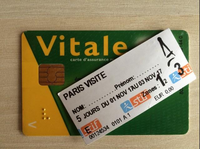 Une Carte Vitale Ou Un Ticket De Mtro Pour Aller Lle Maurice