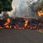 Volcan La Fournaise : La LAVE a atteint la Route Nationale, l'Océan et bientôt L'île Maurice