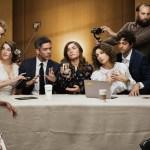 """Insolite – Un homme sème la panique durant le film """"Selfie"""" en riant momentanément sur une scène"""