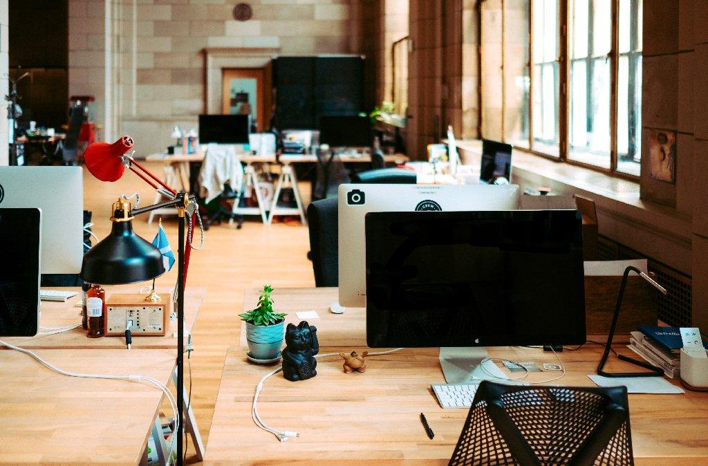 Optimiser un espace de bureau vide : les astuces déco