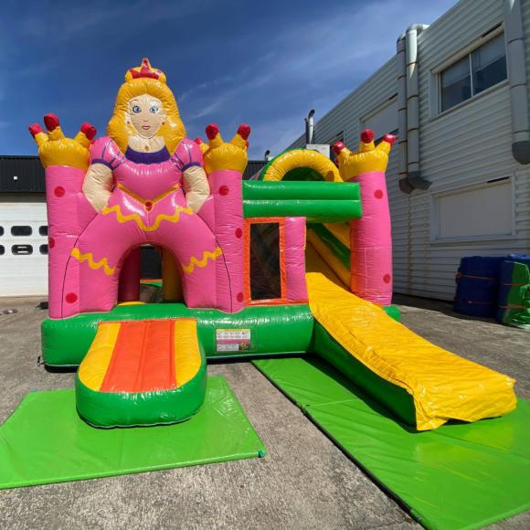 location chateau gonflable princesse