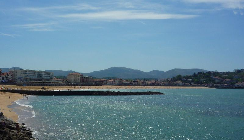 Appartement  200 mtres de la plage Baie de Saint Jean de Luz  Fort Socoa pour 4 personnes
