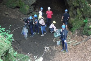 steep ground safety - handlines - quarry - cliffs - ropes - rigging - filming safety - helmets - film, tv and media safety specialists - location safety ltd
