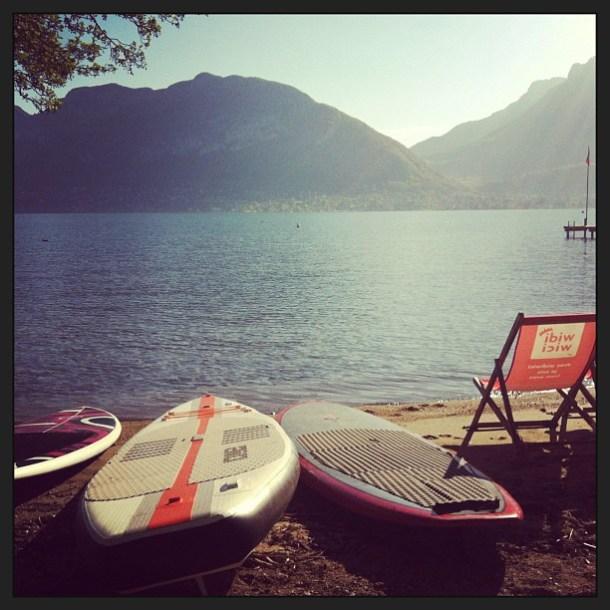 soleil pour le stand up paddle sur le lac d'Annecy