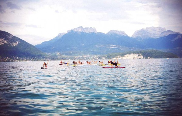 stand up paddle yoga Annecy