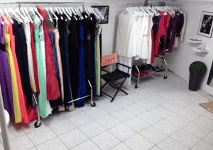 show room location robe de soirée une robe un soir