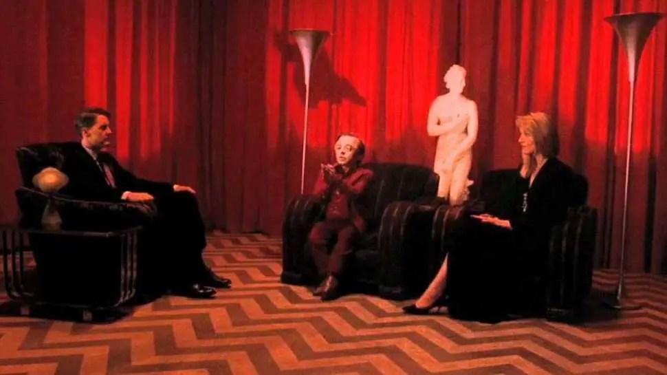 Kyle MacLachlan, Michael J. Anderson, e Sheryl Lee in I segreti di Twin Peaks (1990)