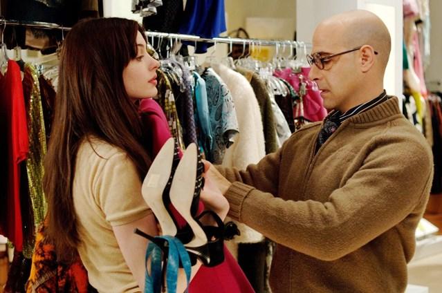 Stanley Tucci e Anne Hathaway in Il diavolo veste prada recensione