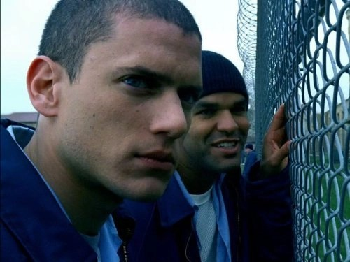Wentworth Miller and Amaury Nolasco in Prison Break (2005)
