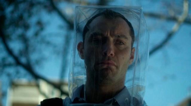 Jude Law in Contagion