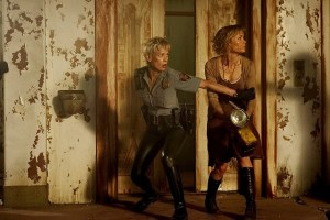 Radha Mitchell e Laurie Holden in Silent Hill (2006)